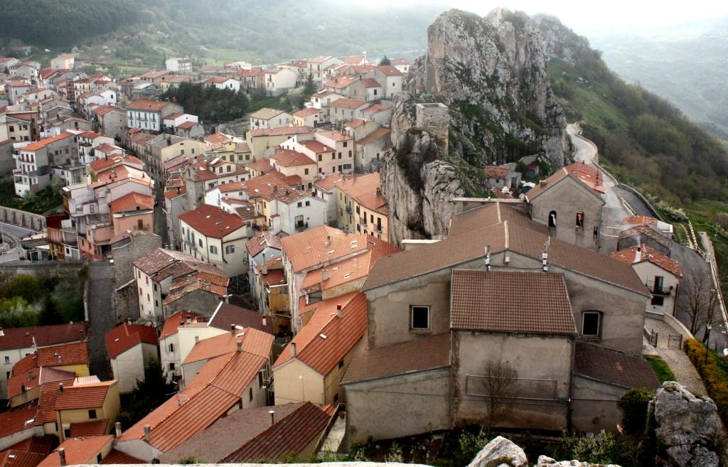 plenty of rocks and stunning views   pietrabbondante molise   green holiday italy